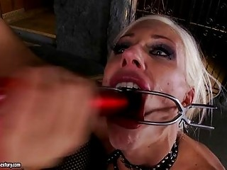 Two turned on golden-haired lesbos take turns in domination role