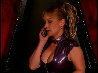 Anastasia Pierce Likes Being a Dominatrix