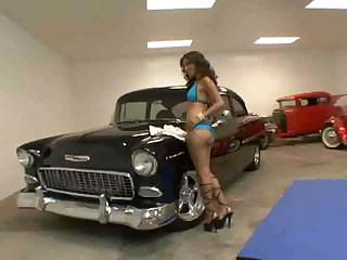 Tight Latina