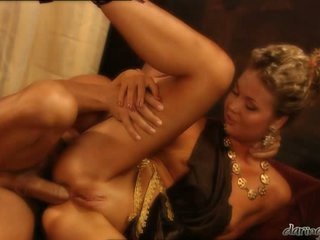 Hot delightsome Yasmine Goldsplits her slits and feels the perfect fuck she wanted