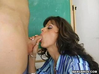 Burning hot Arianna LaBarbara gives head to a lucky guy in her classroom