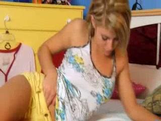 slovak blonde girl dildoing snatch
