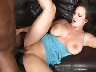Stephanie Wylde enjoys getting her pussy hammered
