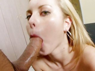 Alluring Jessie Rogers mouth fucks this prick
