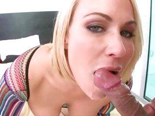Dazzling Mellanie Monroe gets a mouth full of hot jizz