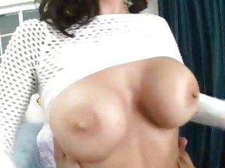 Brandi Edwards exposes her gorgeous tits to fuck