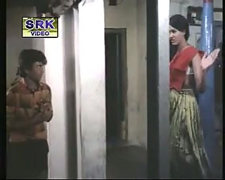 Classic Indian sexy scenes from Shadi Sep Hale Shadi Ke Bat
