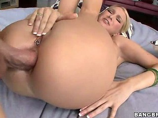 Anal and creampie for a MILF