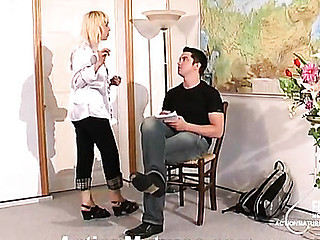 Carol&Adam attractive mamma in action