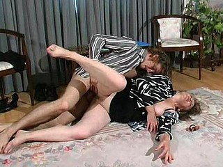 Rebecca&Mike kinky mamma in action