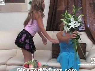 Bridget&Sheila lesbo mama in action