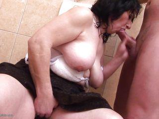 older women are beautiful cocksuckers!