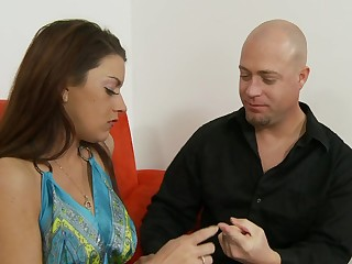 Milf mouth worships cock and her cunt takes a pounding