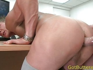 Muscled blonde screwed in office